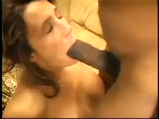 White mature gets her pussy ruined by bbc